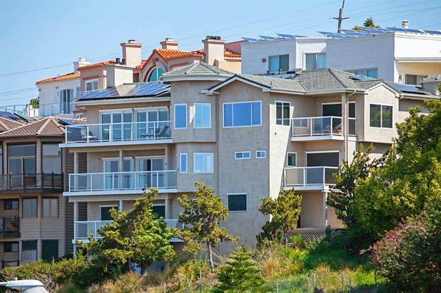 6206 Caminito Plata, San Diego CA: http://media.crmls.org/mediaz/E711EA71-D82A-47FD-8245-BA0C68756853.jpg