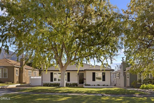 1738 N Roosevelt Avenue, Altadena CA: http://media.crmls.org/mediaz/E79DD2FC-AB8C-4C02-BEAE-A2591A5AC29E.jpg