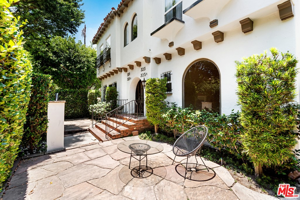 321 S Reeves Drive #  Beverly Hills CA 90212