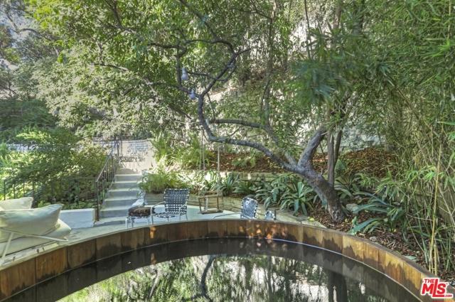 3246 Primera Avenue, Los Angeles CA: http://media.crmls.org/mediaz/E82CCCF3-A0CE-4273-899C-7AF8B8147E58.jpg