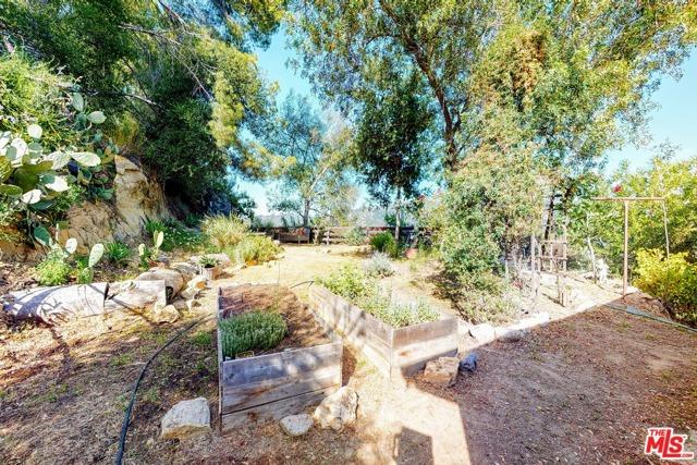 21300 Hillside Dr, Topanga, CA 90290 photo 21