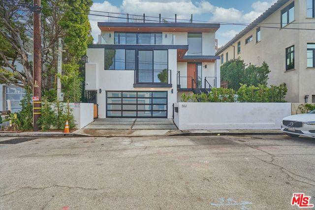 552 Stassi Ln, Santa Monica, CA 90402 photo 2