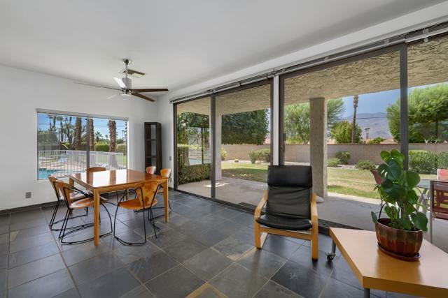 78181 Lago Drive, La Quinta CA: http://media.crmls.org/mediaz/E8EE37C5-AE91-44D1-A79B-827F940C8648.jpg