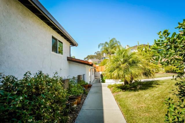 21798 Independent School Road, Castro Valley CA: http://media.crmls.org/mediaz/E919E761-2101-47CB-8418-2C82A6596A6E.jpg