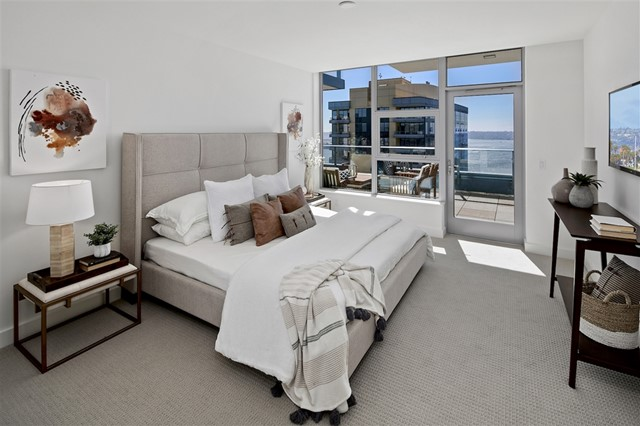 1388 Kettner Blvd., San Diego CA: http://media.crmls.org/mediaz/E93329E2-7121-41D1-9E8F-EEC62980D7E6.jpg