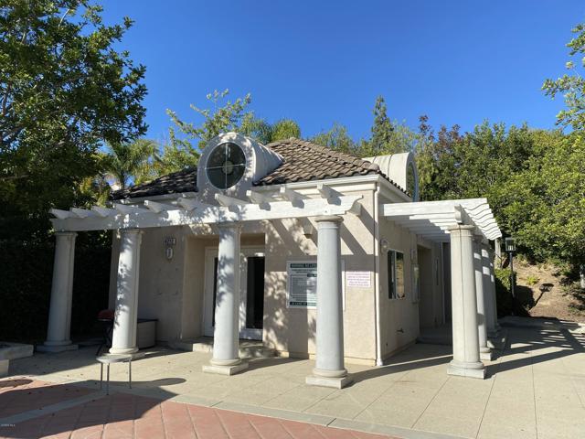 11694 Sagewood Drive, Moorpark CA: http://media.crmls.org/mediaz/E93F13DB-A986-4796-940A-44FDDAA3F8AE.jpg