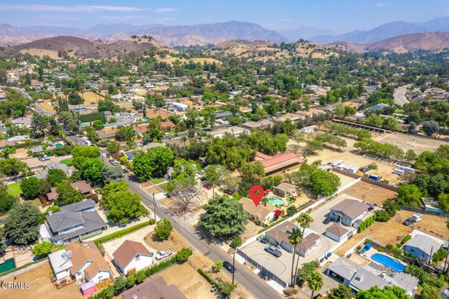 9716 Helen Avenue, Shadow Hills CA: http://media.crmls.org/mediaz/E971818E-AEE5-4EF1-932D-40B5E1931C22.jpg