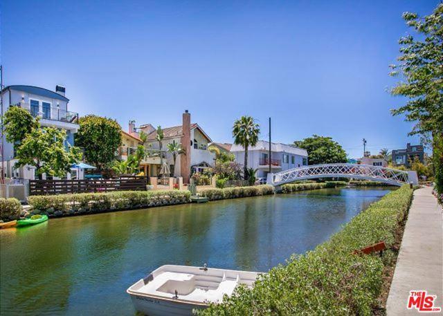 218 Carroll Canal, Venice, CA 90291 photo 24
