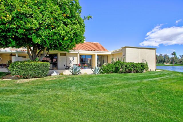 34800 Mission Hills Drive, Rancho Mirage CA: http://media.crmls.org/mediaz/E9B31398-C78A-41F7-A3EA-52AB92B41727.jpg