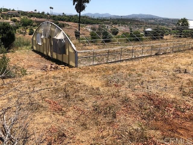 4574 Valle Del Sol, Bonsall CA: http://media.crmls.org/mediaz/E9C0A061-740D-47CF-9AAB-99A324565BEC.jpg