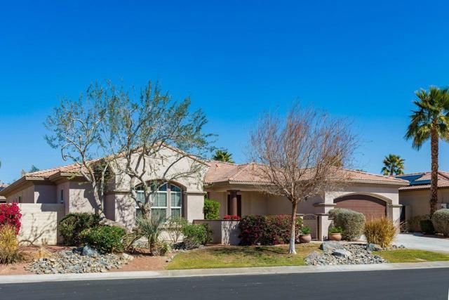 120 Brenna Lane, Palm Desert CA: http://media.crmls.org/mediaz/EA087CD0-B24F-498E-A6FB-25BE869BC02C.jpg