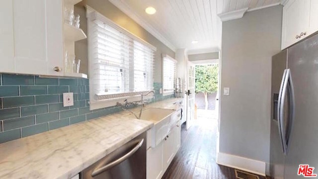 224 San Juan Ave, Venice, CA 90291 photo 17