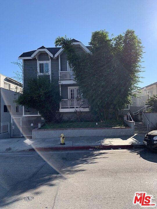2471 Sawtelle Boulevard, Los Angeles CA: http://media.crmls.org/mediaz/EA16BF4E-2D71-4C6C-92E1-ED0240B4AE04.jpg