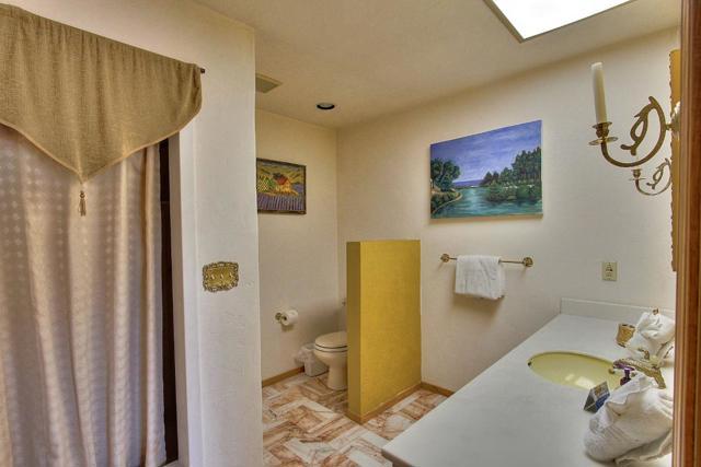 300 Country Club, Carmel Valley CA: http://media.crmls.org/mediaz/EA916655-C560-4546-A064-DA509B6CC23C.jpg