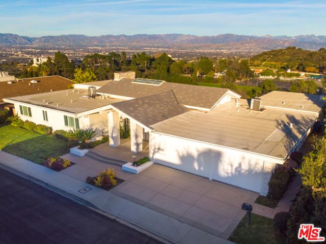 3044 ELVILL Drive, Los Angeles CA: http://media.crmls.org/mediaz/EA930600-3636-48AE-99CF-36E18D0F8F59.jpg