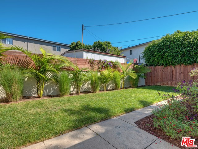 302 S Lucia Ave, Redondo Beach, CA 90277 photo 26