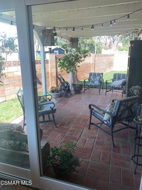 1703 Townley Circle, Simi Valley CA: http://media.crmls.org/mediaz/EB823AE2-C410-47D0-BD50-51DD9F15146C.jpg