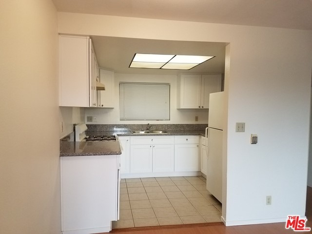 Condominium for Rent at 318 Hobart Boulevard N Los Angeles, California 90004 United States