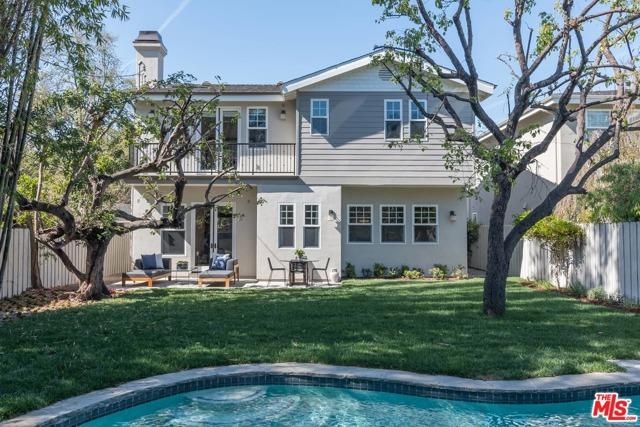 Photo of 13122 BLOOMFIELD Street, Sherman Oaks, CA 91423