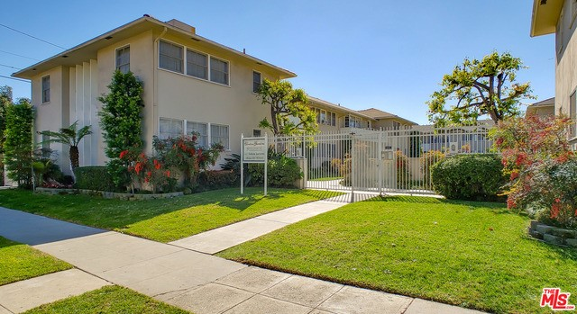 5012 CLINTON Street, Los Angeles CA: http://media.crmls.org/mediaz/ECF824DB-C93B-4AC5-AC49-5650EC9E7FF5.jpg