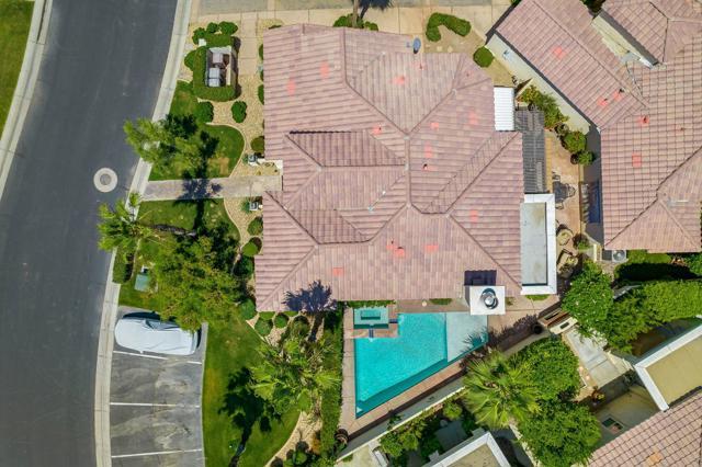 80920 Calle Azul, La Quinta CA: http://media.crmls.org/mediaz/ED2A7562-E86E-44F9-B25D-BA7827998B8D.jpg