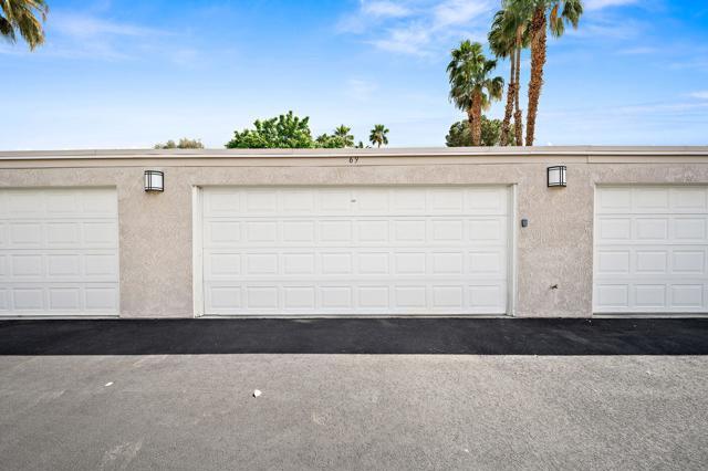 369 Wimbledon Drive, Rancho Mirage CA: http://media.crmls.org/mediaz/ED391EA0-61CD-4B93-85EC-5FB3F53BD7B0.jpg