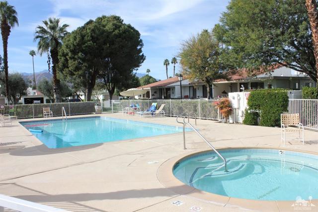 68 El Toro Drive, Rancho Mirage CA: http://media.crmls.org/mediaz/ED81EE66-C091-4CD5-B91D-3E5FB23BE6C4.jpg