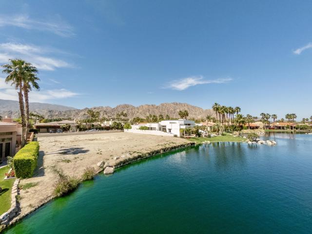 55540 Pebble Beach, La Quinta CA: http://media.crmls.org/mediaz/EDA4FAD9-63C9-4474-8E3D-CFC32E7D9EB6.jpg