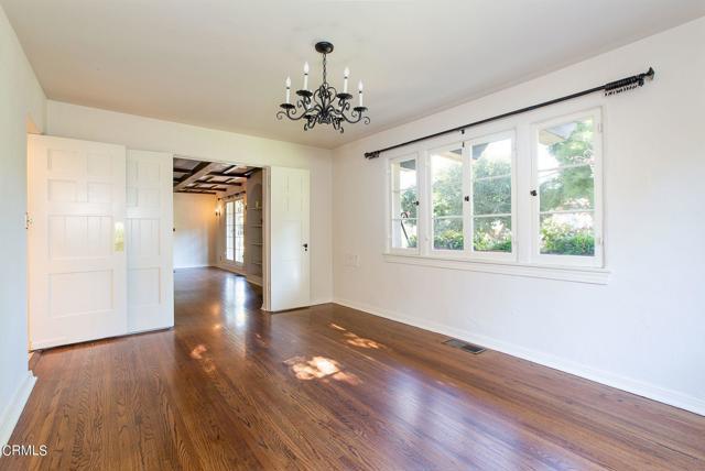房产卖价 : $208.80万/¥1,437万