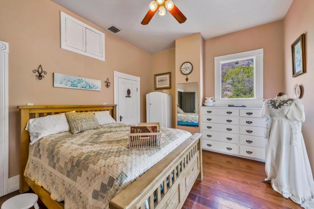 349 Renee Street, Orange CA: http://media.crmls.org/mediaz/EE6D51CE-1D54-4EA4-969F-9428DD1CD85D.jpg