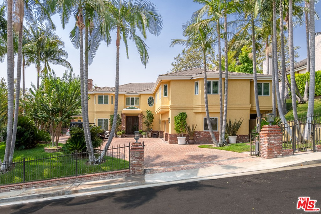 9844 Whitwell Drive #  Beverly Hills CA 90210
