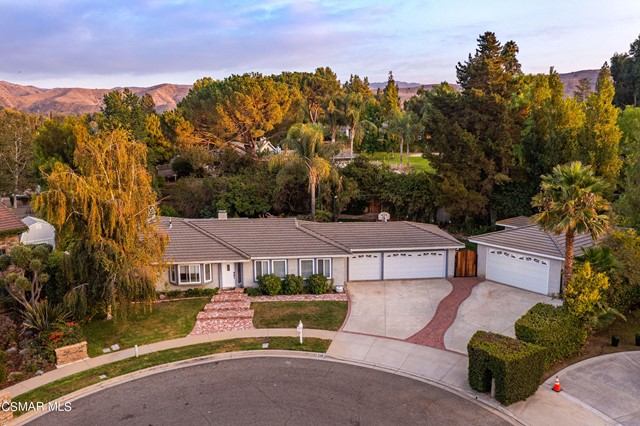 658 Bonwit Place, Simi Valley CA: http://media.crmls.org/mediaz/EED87A3F-30CD-4B27-9B4E-FFE4CD924D64.jpg