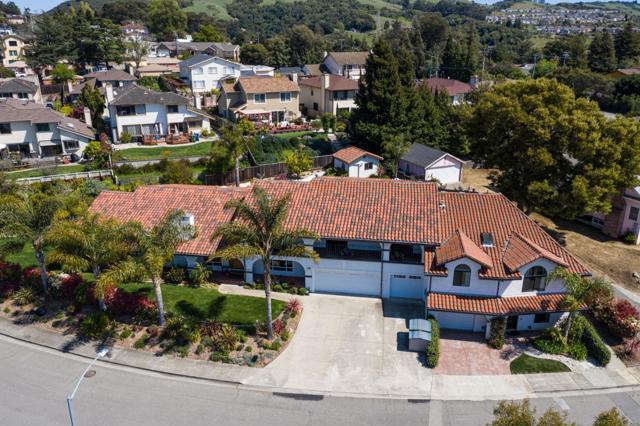 21798 Independent School Road, Castro Valley CA: http://media.crmls.org/mediaz/EFBEB9CA-408A-4B20-9227-0AE4706ED0DD.jpg