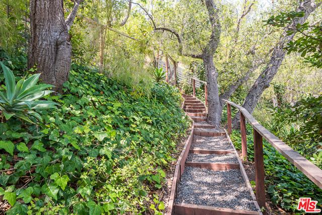 1009 Bienveneda Ave, Pacific Palisades, CA 90272 photo 34