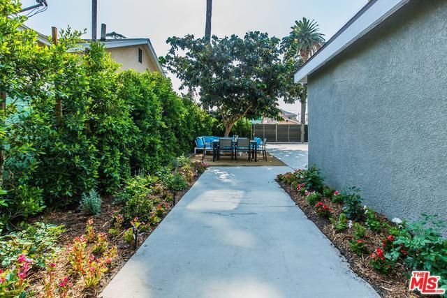 2741 S PALM GROVE Avenue, Los Angeles CA: http://media.crmls.org/mediaz/F094BDD9-F2C7-479A-9841-A344F73AFB77.jpg