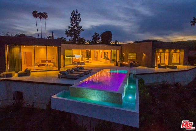 Single Family Home for Sale at 3114 Elvido Drive Los Angeles, California 90049 United States