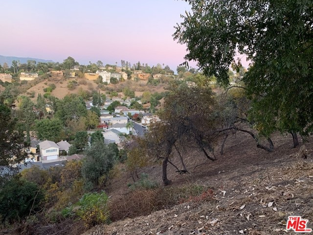 919 Rome Drive, Los Angeles CA: http://media.crmls.org/mediaz/F0CF5027-C4AE-4923-9B42-24F5717DA3C2.jpg