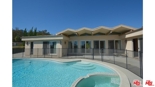 Single Family Home for Rent at 5286 Los Bonitos Way Los Angeles, California 90027 United States