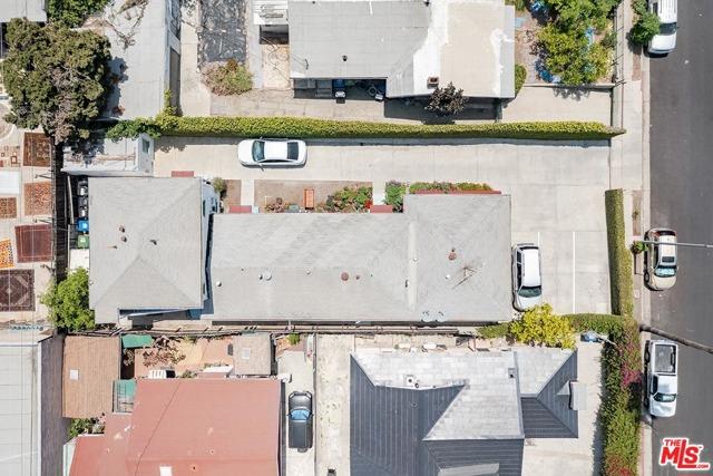 550 N Manhattan Place, Los Angeles CA: http://media.crmls.org/mediaz/F0E8B297-0F53-4BCF-BF38-613C8A216777.jpg