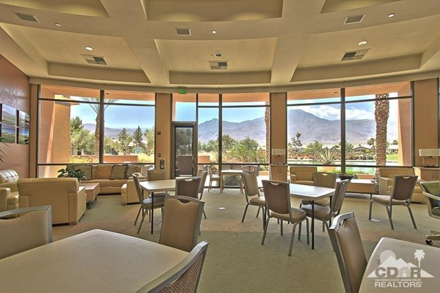 60328 Desert Shadows Drive, La Quinta CA: http://media.crmls.org/mediaz/F1455013-968D-438A-A228-F0E119015A8A.jpg