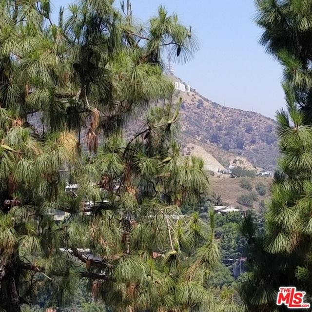7192 Woodrow Wilson Drive, Los Angeles CA: http://media.crmls.org/mediaz/F1643982-6EA3-4289-B0BA-AA4A7042CDED.jpg