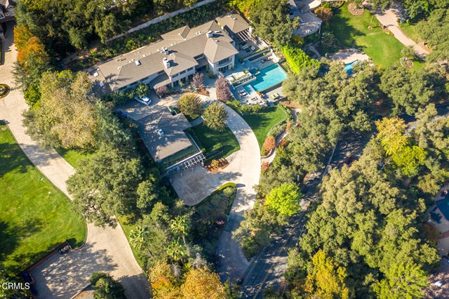 4055 Chevy Chase Drive, La Canada Flintridge CA: http://media.crmls.org/mediaz/F194E525-F03B-4AB8-94B3-BD15EA8942A2.jpg