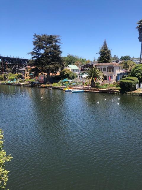5005 Cliff Drive, Capitola CA: http://media.crmls.org/mediaz/F1F0790A-6A31-47E3-91EC-22D64A390192.jpg