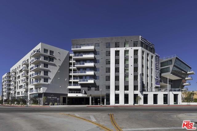 1331 N Cahuenga Boulevard, Los Angeles CA: http://media.crmls.org/mediaz/F1F65010-8394-4C74-8A49-D6C4D7010EC8.jpg