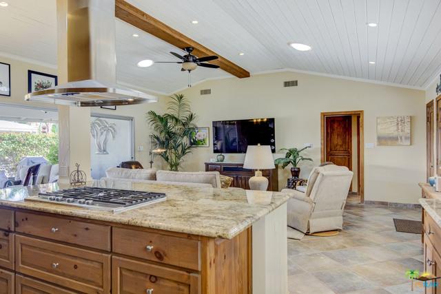 69850 Highway 111, Rancho Mirage CA: http://media.crmls.org/mediaz/F23A4F03-7CAF-49D2-9560-1D2F5306BE8A.jpg