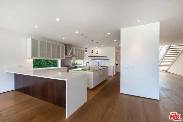 3524 Mountain View Ave, Los Angeles, CA 90066 photo 8