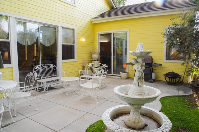 1804 Morning Dove Lane, Redlands CA: http://media.crmls.org/mediaz/F2612666-1DA6-491D-BEF4-537B3A352EC2.jpg