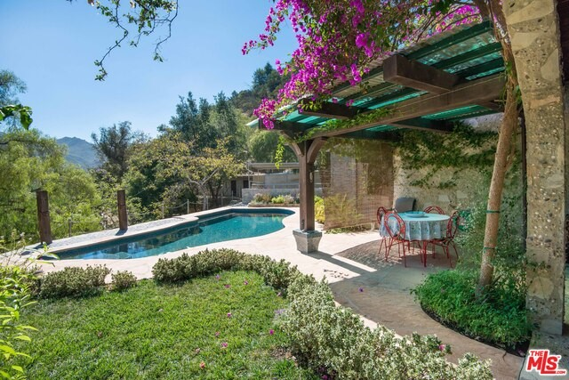 Single Family Home for Sale at 21415 Greenbluff Drive Topanga, California 90290 United States