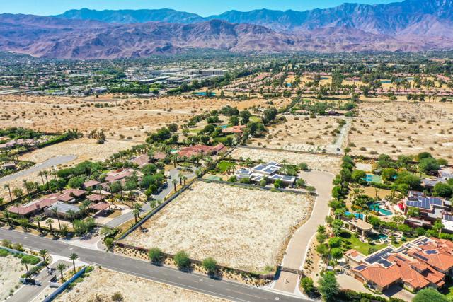 7 Mountain Vista Court, Rancho Mirage CA: http://media.crmls.org/mediaz/F2A478A8-0079-4BCC-83B0-5A2A376CE6F9.jpg