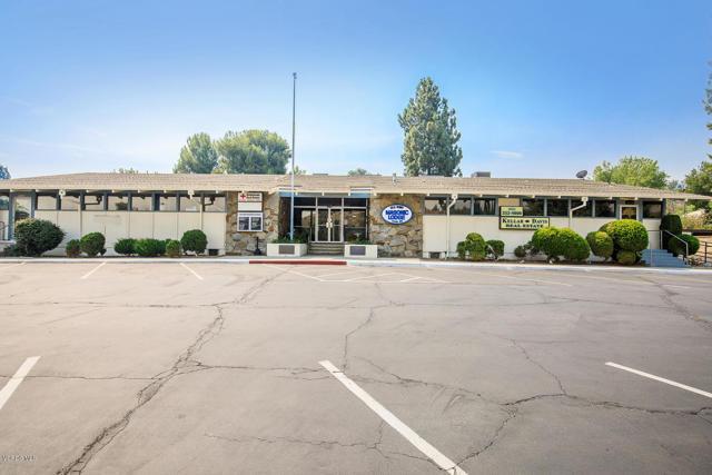 26832 Circle Of The Oaks, Newhall CA: http://media.crmls.org/mediaz/F2A55323-B339-4914-B7AA-4A02FF11B718.jpg